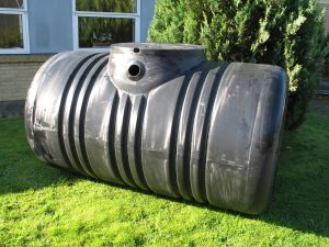 2100 Liters regnvandsjordtank