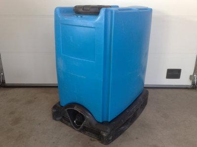 1000 liters ibc på plastpalle blåtank