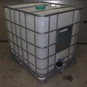 1000 liters schutz på stålpalle.