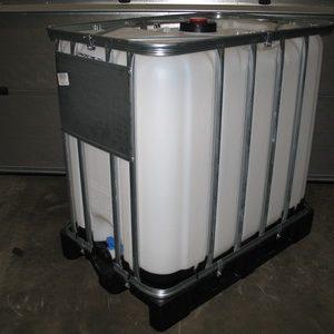 800 liters palletanke på plastpalle Werit
